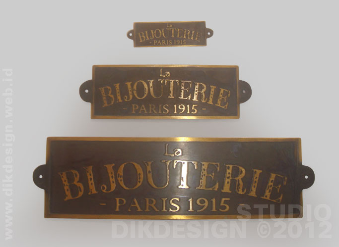 La Bijouterie Brass letter Design